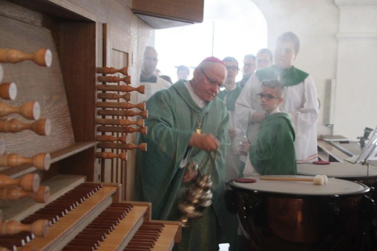 bischof-zdarsa-orgelweihe-karlskron